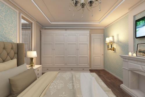 Спальня в классическом стиле в нежно-голубой гамме